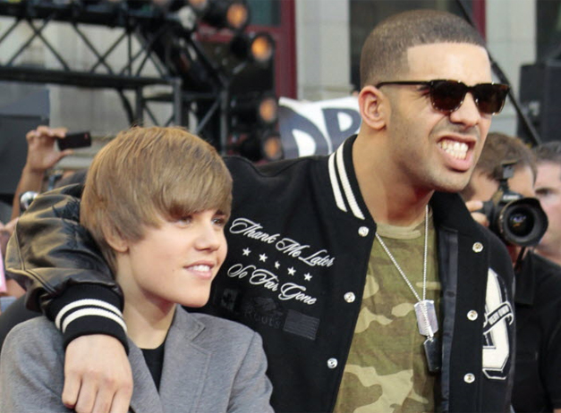 Video: Drake and Justin Bieber Perform 'Trust Issues' in