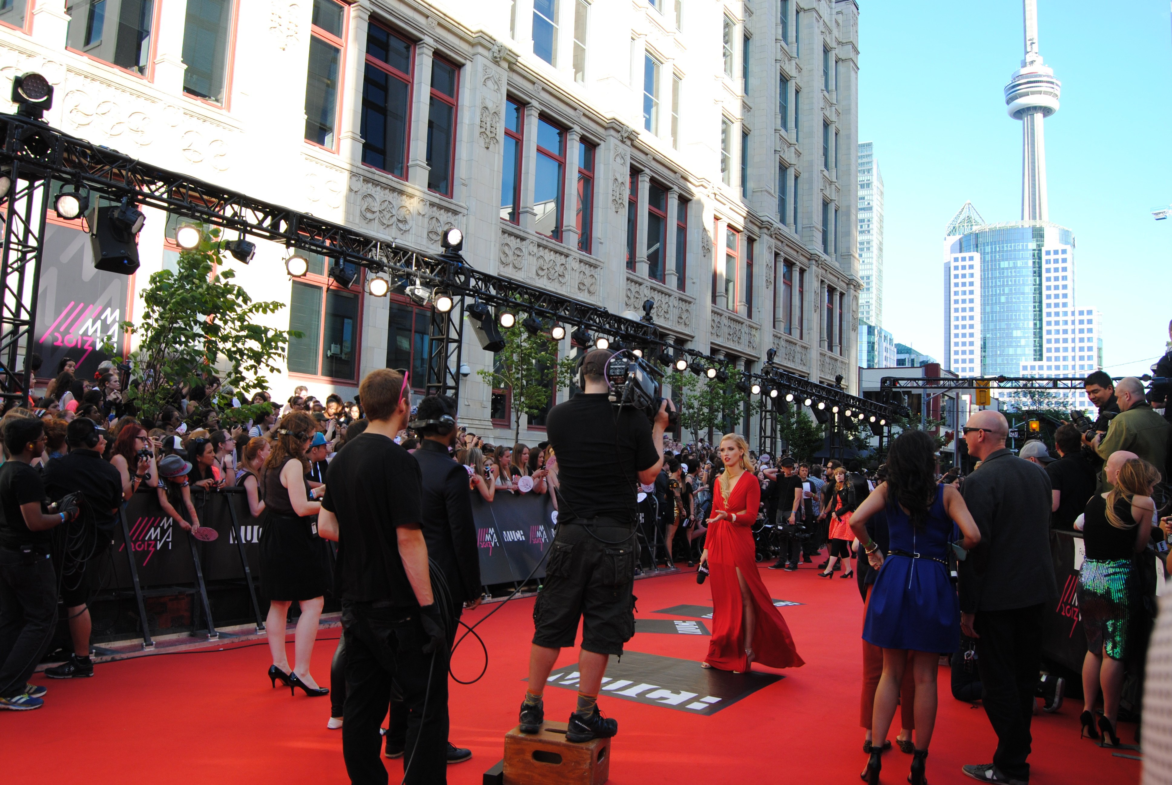 MuchMusic Video Awards' red carpet - feat. Marianas Trench, Phillip Phillips, Cody Simpson, Ed Sheeran, Avril Lavigne, Kunal Nayyar and more - a place where mermen are rampant and nominees let loose