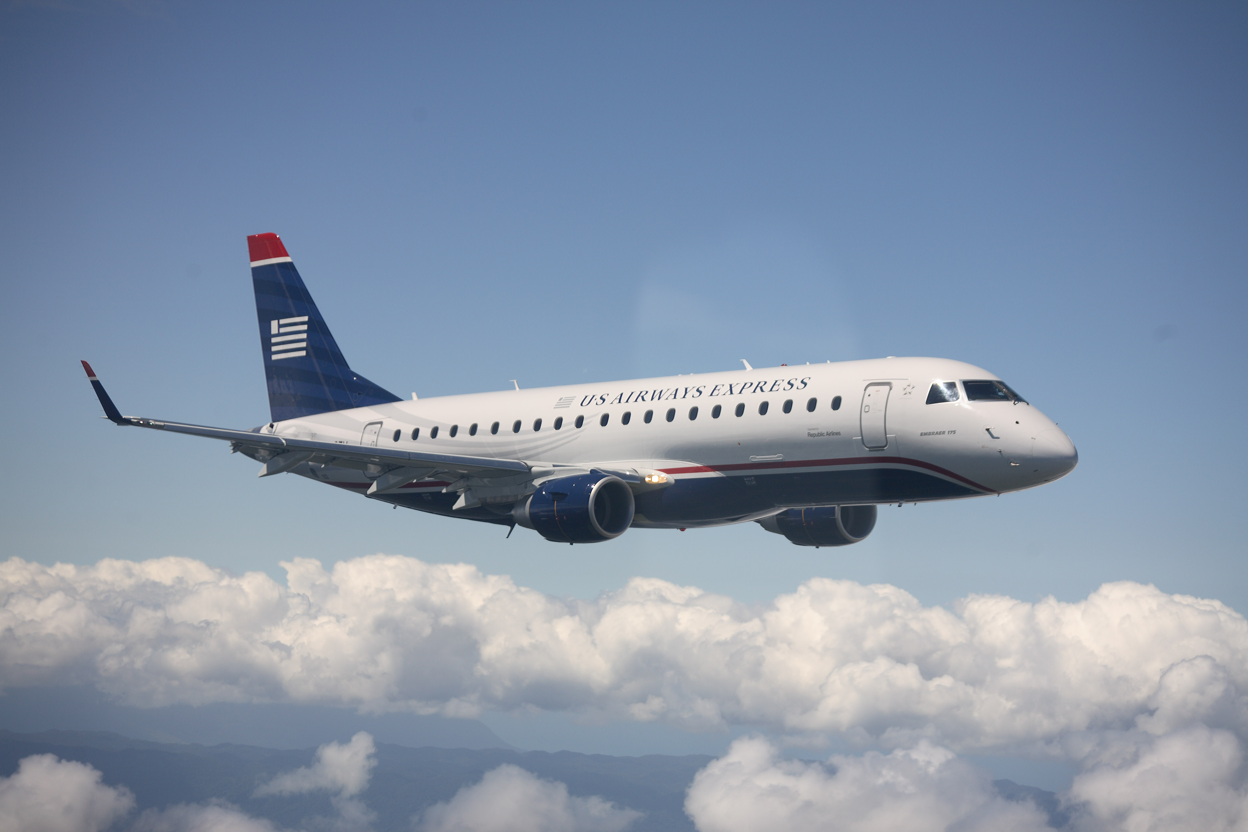 US Airways tweets pornographic photo to one of its customers!