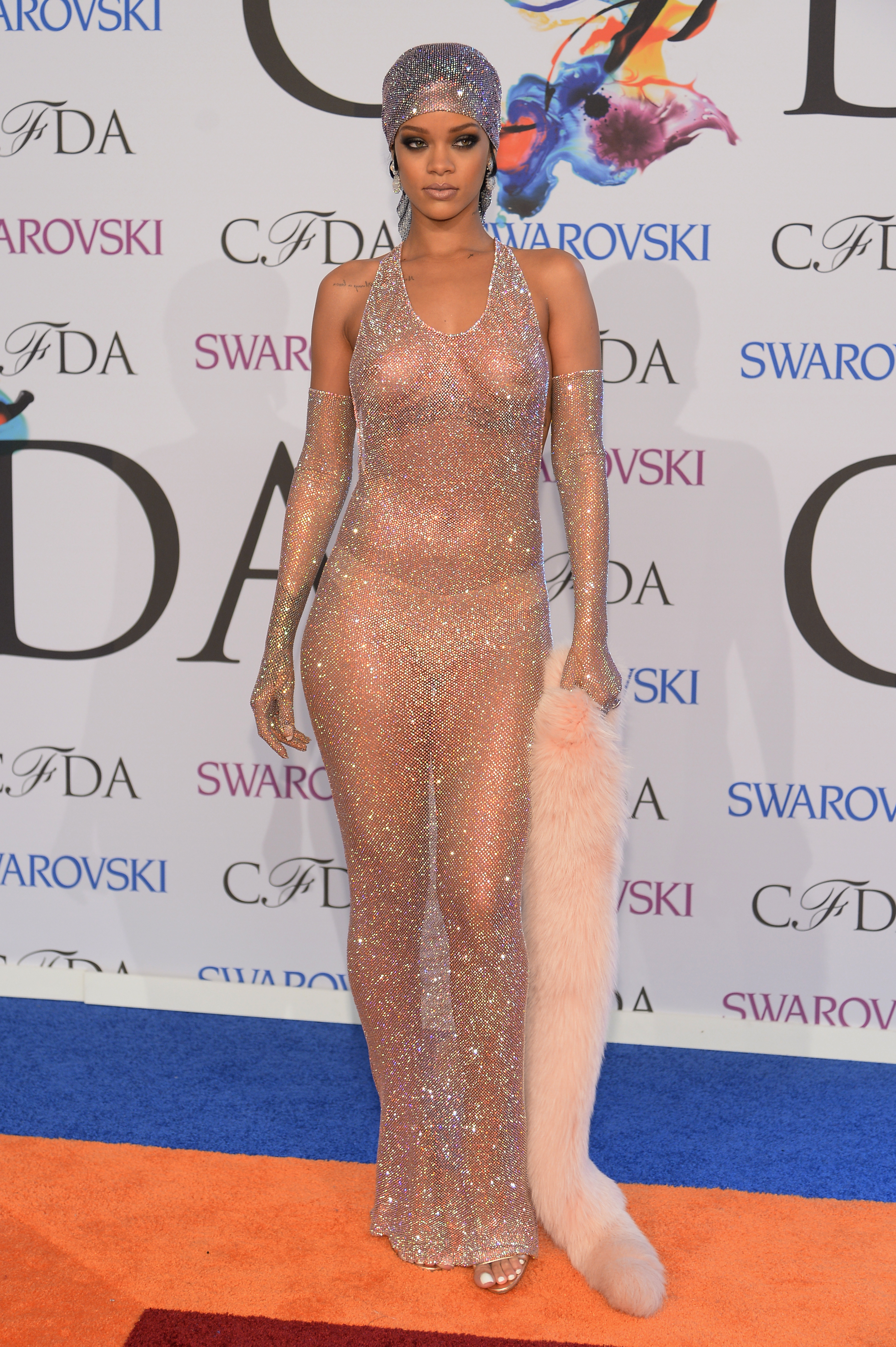 Near Naked Rihanna And Other Outlandish 2014 Cfda Fashion Awards Looks Gallery Dose Ca