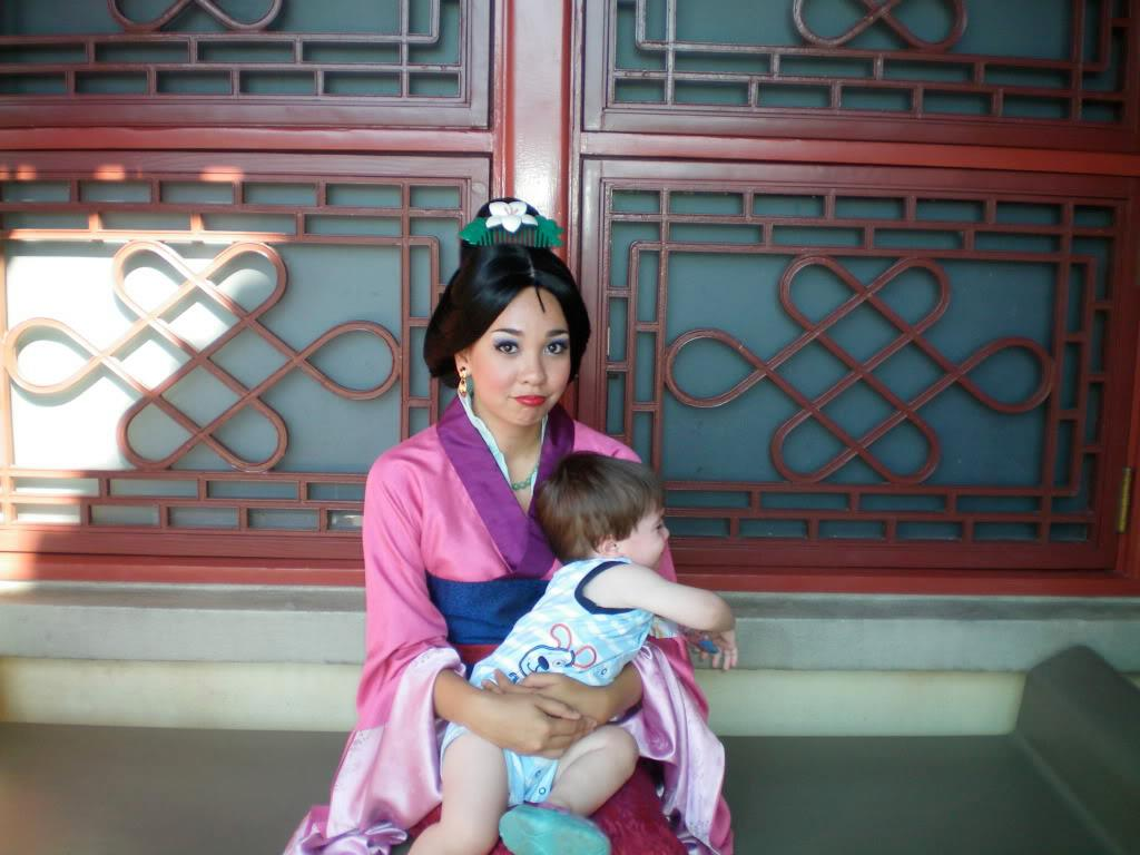 Redditor who worked as Mulan, Pocahontas at Walt Disney World holds awesome AMA