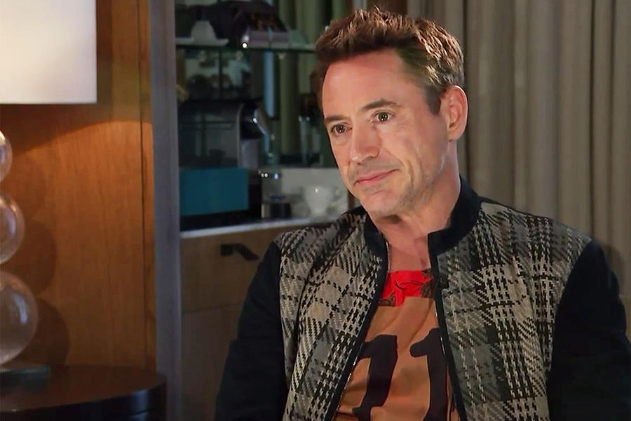 "Robert Downey Jr. calls interviewer a ""schmuck"", storms off [VIDEO]"
