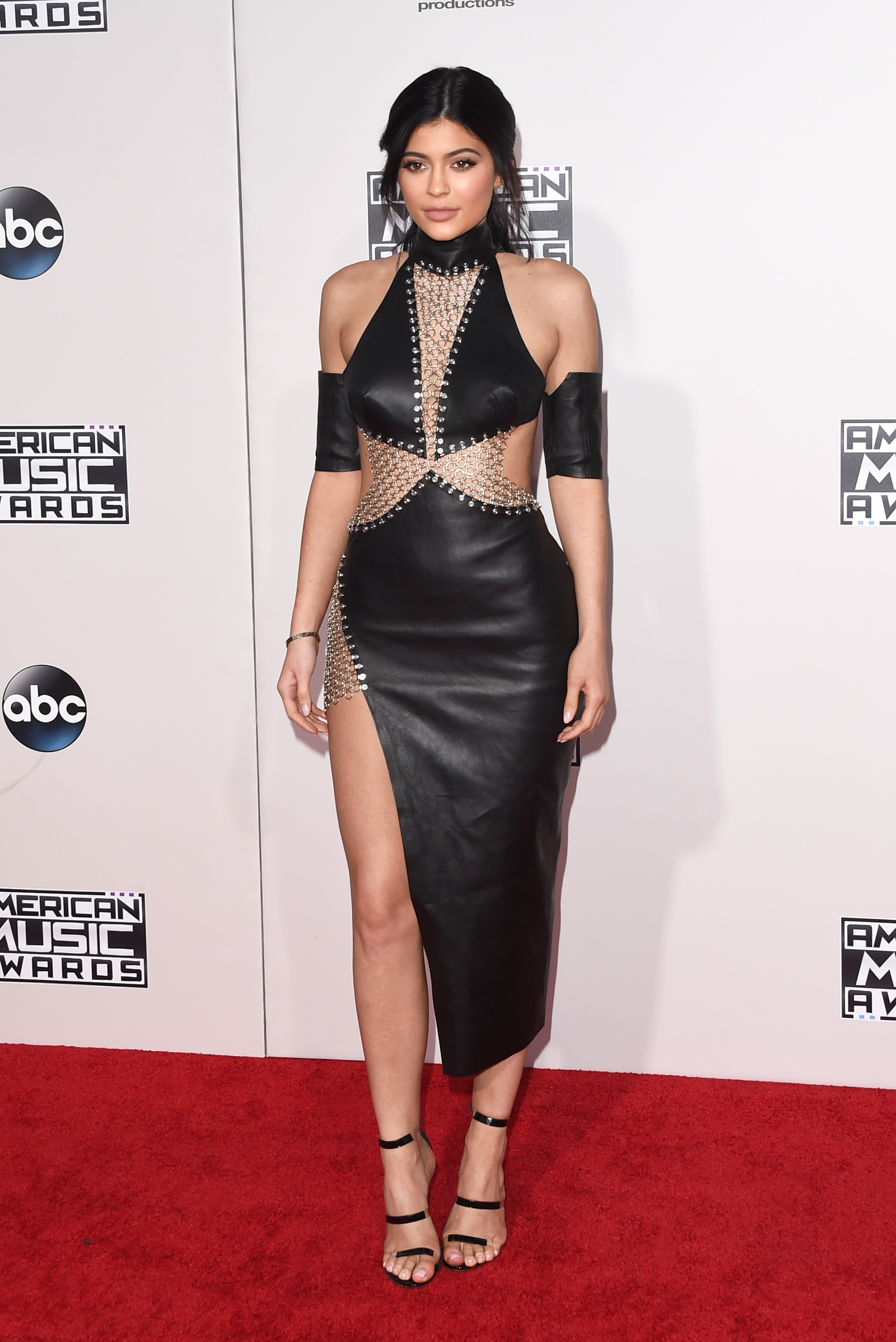 American Music Awards' worst red carpet looks, starring One Direction, Kylie Jenner, Justin Bieber [GALLERY]