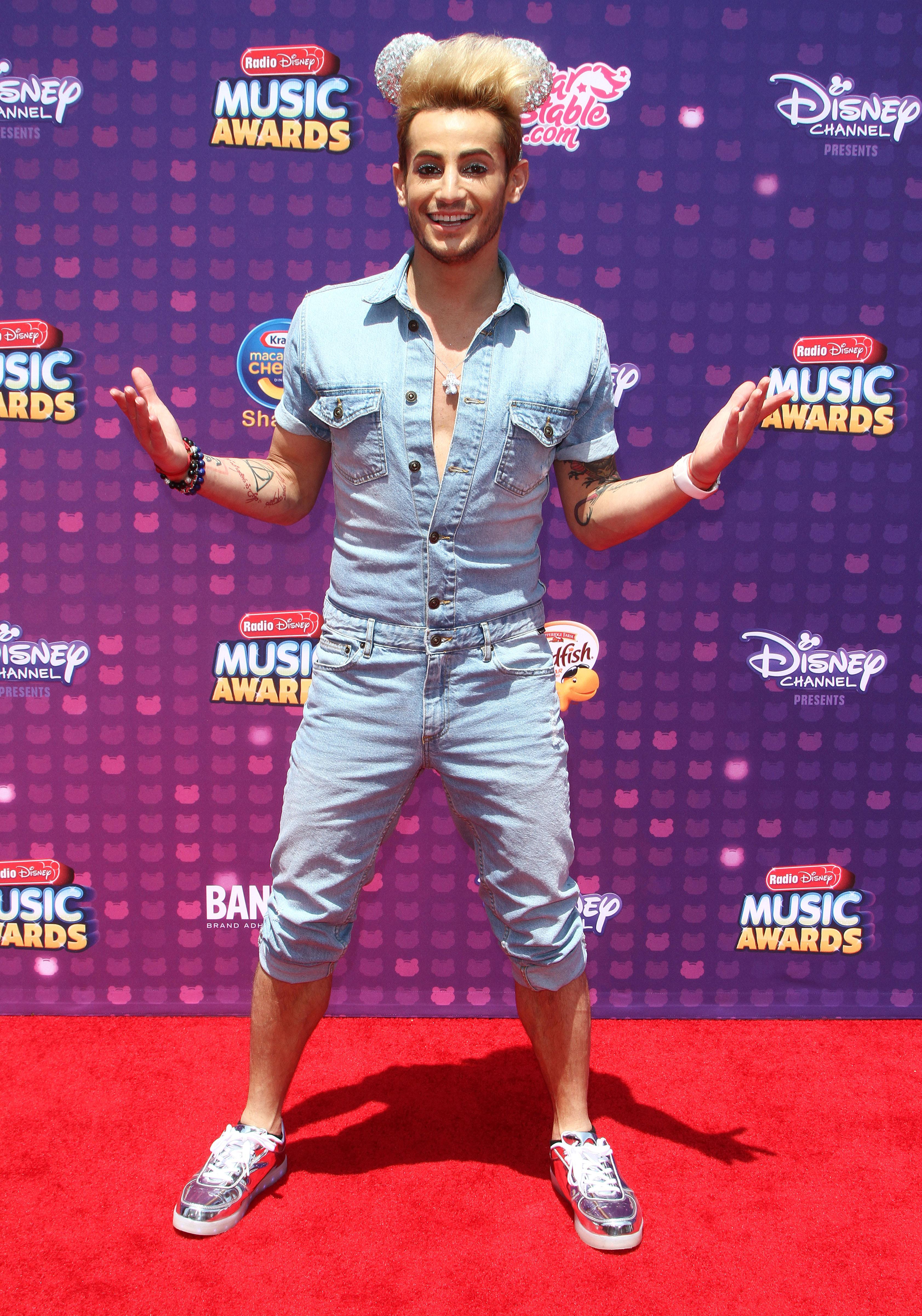 Radio Disney Music Awards' Top 10 wackiest, brightest red carpet looks [GALLERY]