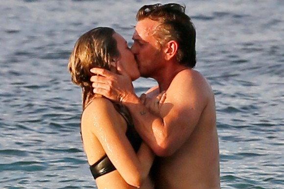 ​Sean Penn in a relationship with Leila George