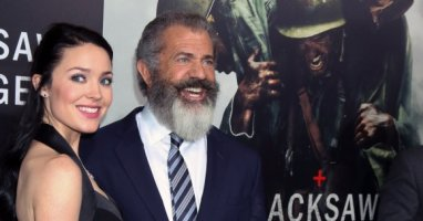 Mel Gibson's expecting a child with his 26-year-old girlfriend...