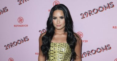 Fans Support Demi Lovato After Nude Photo Hack