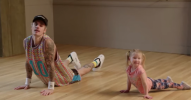 Justin Bieber Gets Dance Lessons from Toddlers