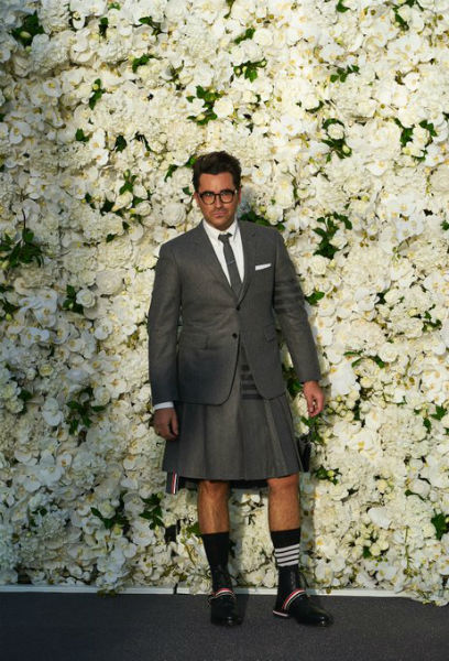Dan Levy, who won for Best Supporting Comedy Actor, wore a Thom Browne outfit. (twitter.com/SchittsCreek)