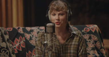 Taylor Swift Announces Concert Film for folklore