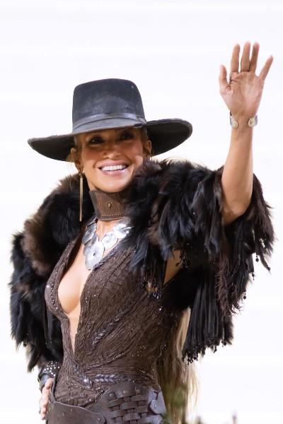 Jennifer Lopez in Ralph Lauren.